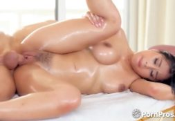 Porno nacional morena gostosa transando com seu tio