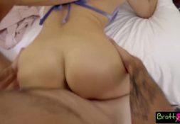 Porno pesado amigo gostosa fodendo sua deliciosa buceta